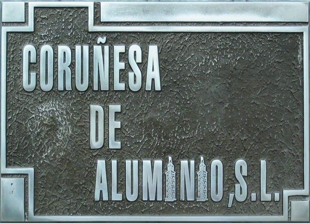 Coru esa de aluminio placas profesionales - Placas de aluminio ...