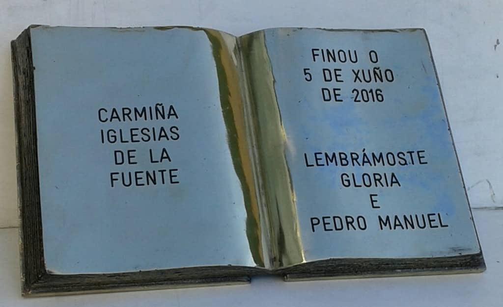 LIBRO BRONCE FUNDIDO